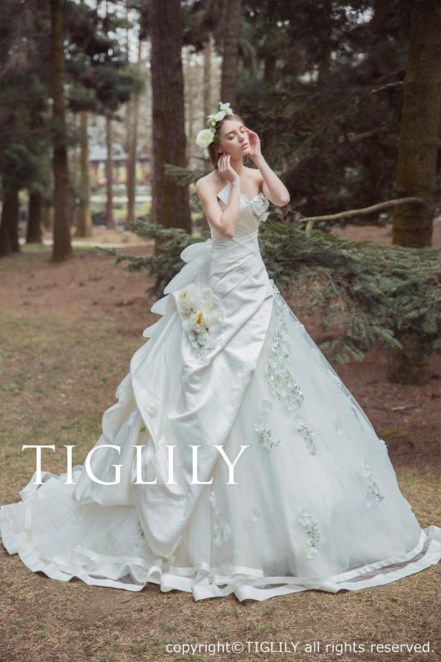 TIGLILY ホワイトドレス Aライン