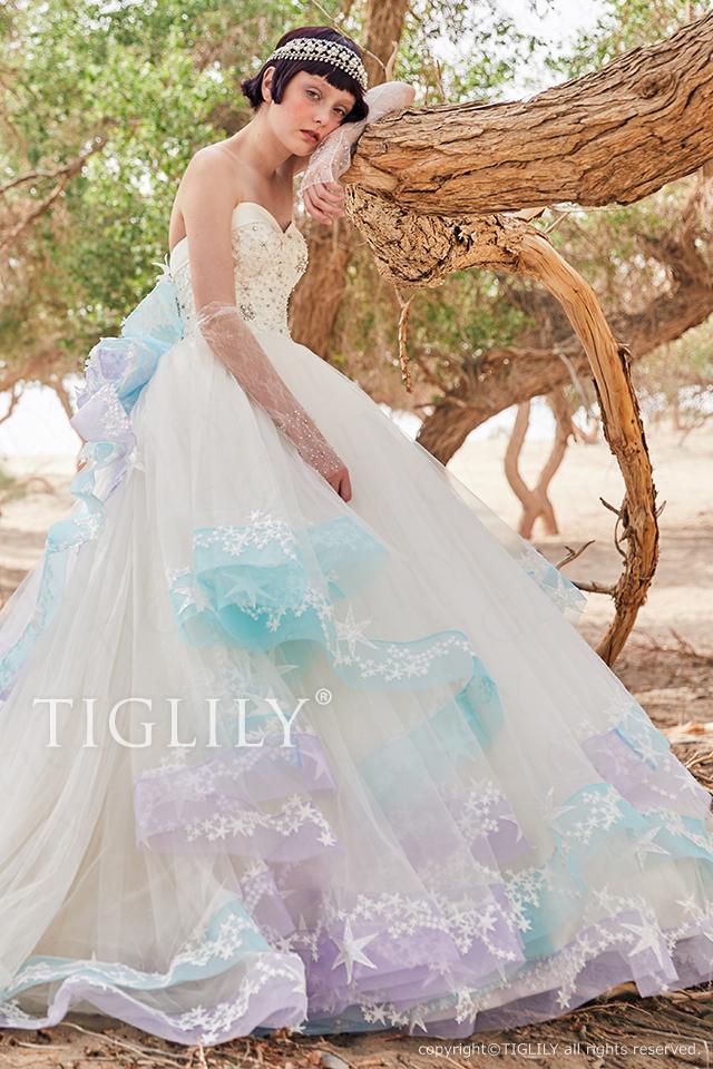 TIGLILYホワイトドレスw366 TIGLILYオリジナルの星モチーフをふんだんに使用したウエディングドレス。